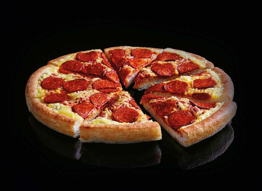 Cận cảnh chiếc pizza Pepperphoni bán chạy của Pizza Hut