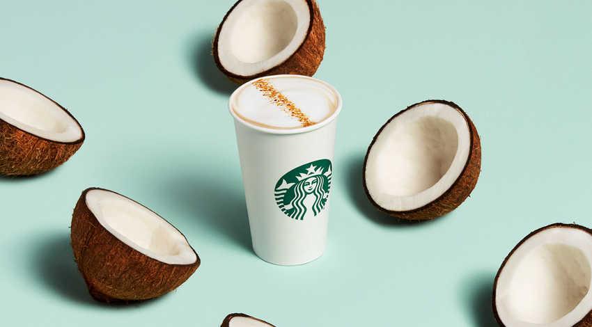 Dòng thức uống thuần chay latte sữa dừa mới của Starbucks