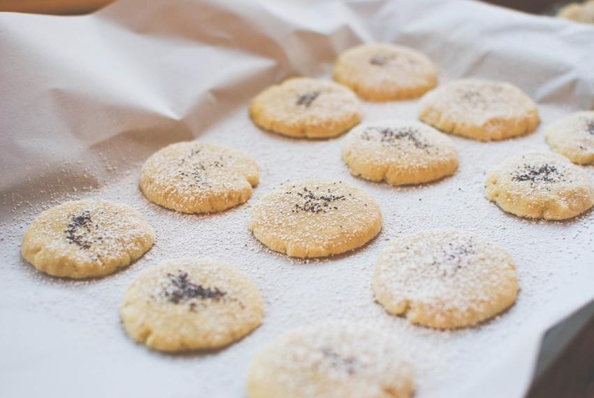 Bột gạo thường được dùng trong sản xuất bánh ngọt, bánh quy và đồ ăn cho trẻ em