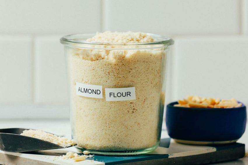 Bột hạnh nhân chứa lượng calo ít hơn so với bột lúa mì