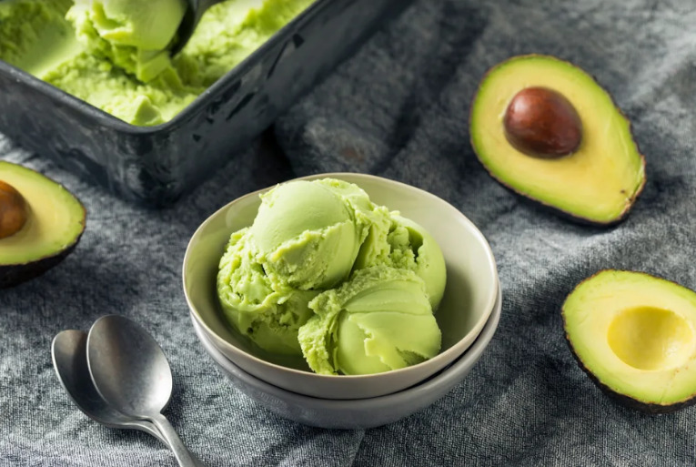 Được làm từ bơ tươi hoặc hương liệu thực phẩm chiết xuất từ bơ tự nhiên, kem bơ hoàn toàn không chứa gluten