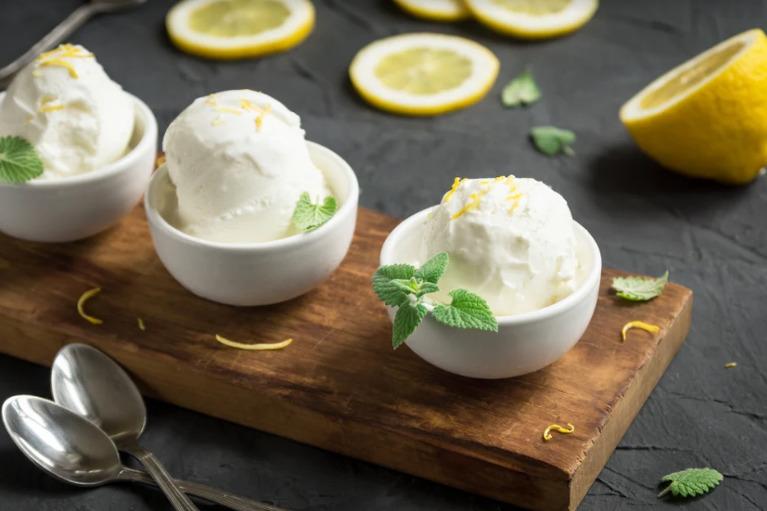 Kem hữu cơ dễ dàng kết hợp với nhiều hương liệu thực phẩm tự nhiên tạo nên món tráng miệng thơm ngon, bổ dưỡng