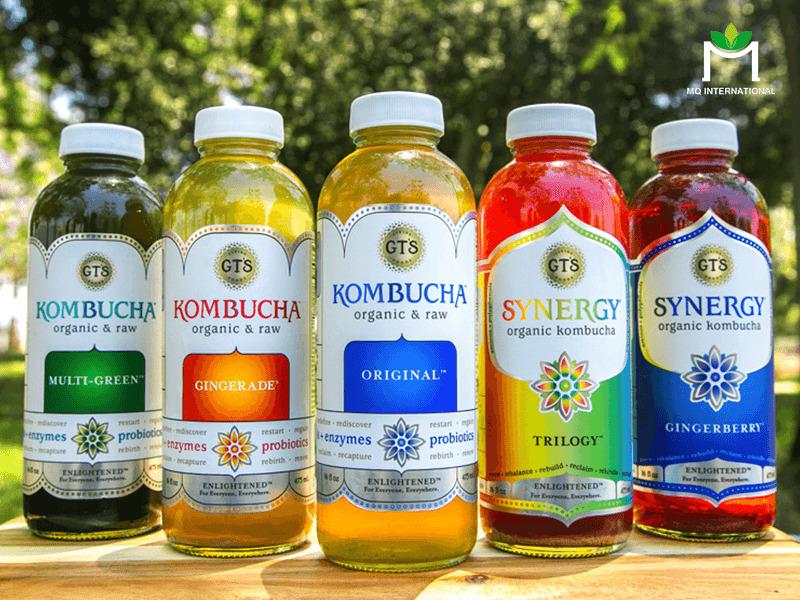 Kombucha được kết hợp cùng các hương liệu thực phẩm để phù hợp hơn với khẩu vị người tiêu dùng.