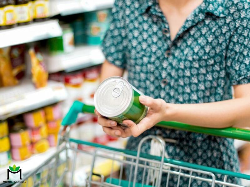 Người dân có xu hướng tích trữ thực phẩm đóng hộp nhiều hơn