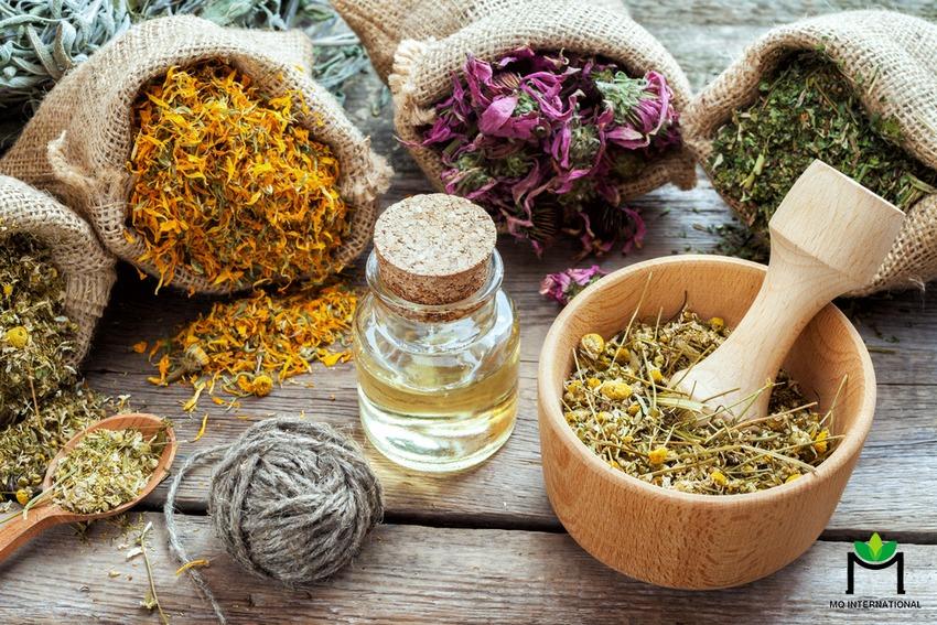 Trà chứa tinh dầu và các hương liệu thực phẩm chiết xuất từ thảo mộc thiên nhiên ngày càng được ưa chuộng