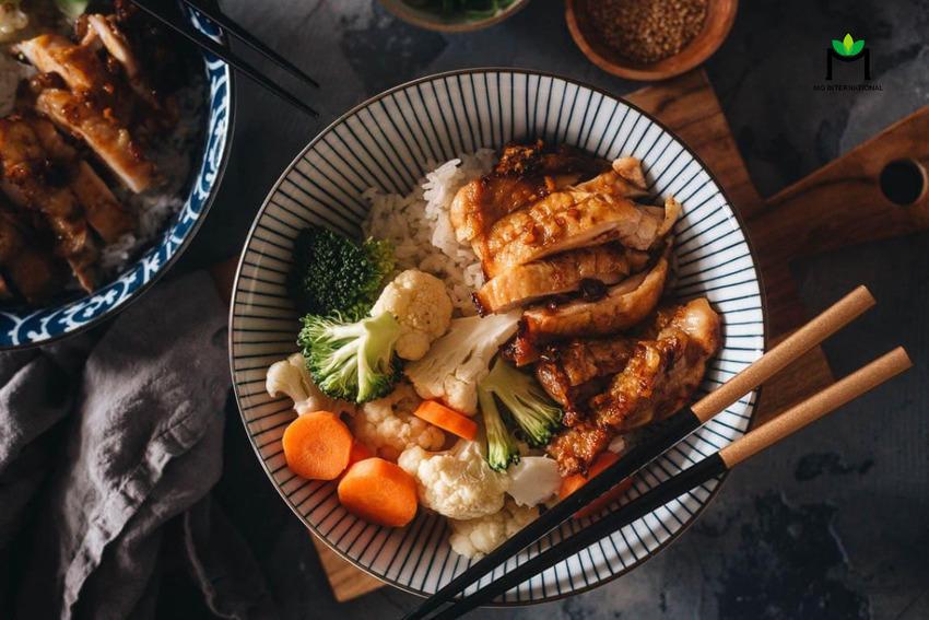 Bột hương thịt tẩm ướp và sử dụng bên trên các món ăn giúp chúng ngon miệng hơn