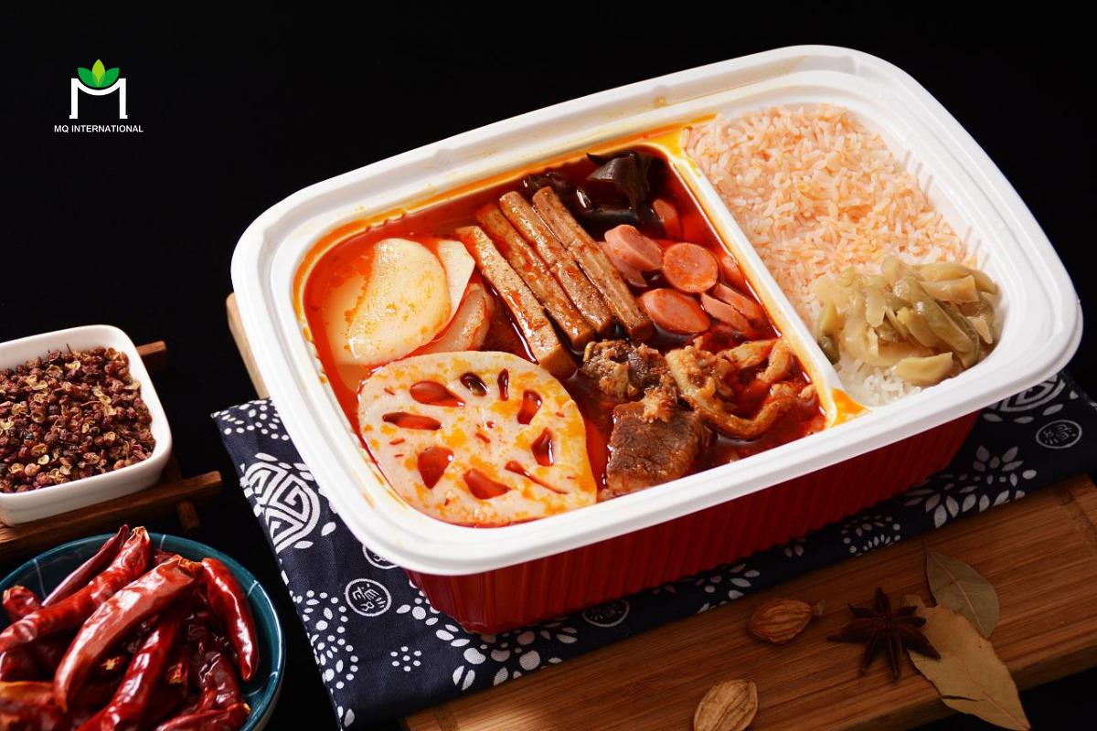 Bột hương gà và bò thường có mặt trong công thức lẩu tự hâm nóng tại Trung Quốc