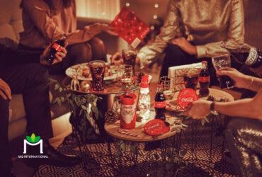 Coca Cola gắn liền với hình ảnh ấm cúng bên gia đình, bạn bè