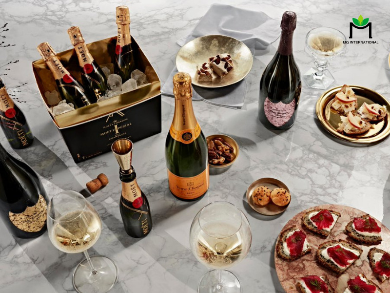 Đồ uống cao cấp được ưa chuộng hơn vào các dịp cuối năm
