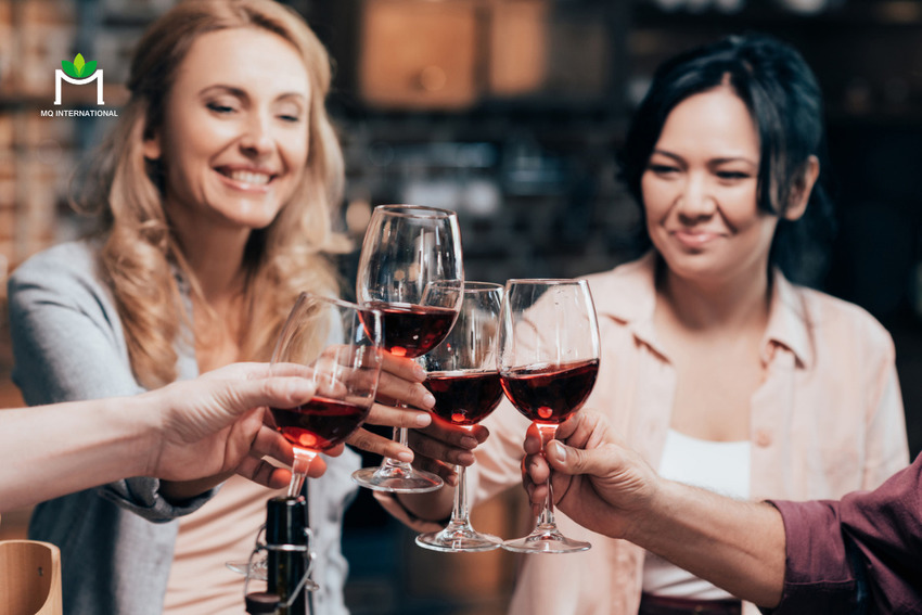 Phụ nữ trong độ tuổi 30 - 44 có xu hướng quan tâm đến chủ đề đồ uống có cồn trên mạng xã hội