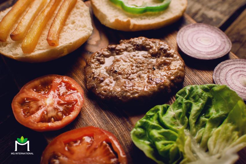 Whopper chay của Burger King và The Vegetarian Butcher có hương vị và kết cấu tương tự món burger khổng lồ truyền thống